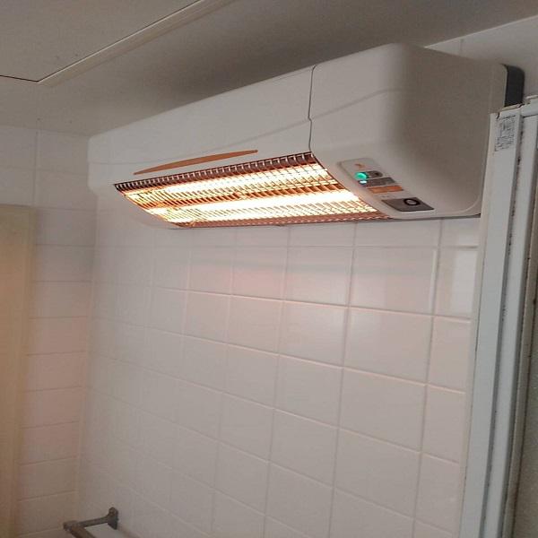 浴室暖房で快適バスタイム。